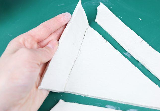 Zusammensetzen der Einzelteile der Schmuckschale