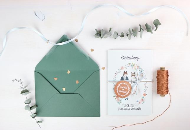 Einladungskarte unserer Hochzeit mit boho und greenery Elementen.