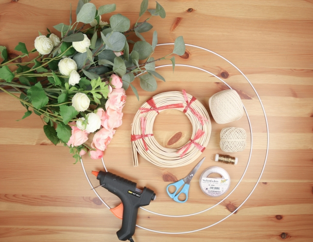 Benötigtes Material für den haltbaren Blumenkranz, bzw. Floral Hoop Wreath