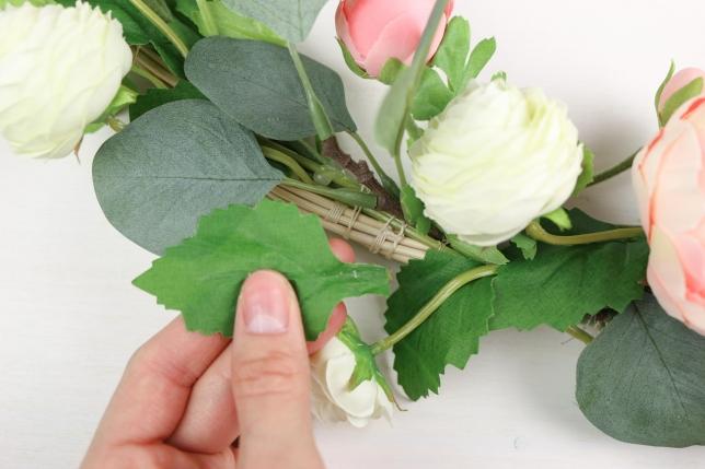 Klebe- und Befestigungsstellen können mit einzelnen Blättern kaschiert werden