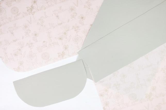 Zugeschnittene Stoffteile für die Pinselrolle