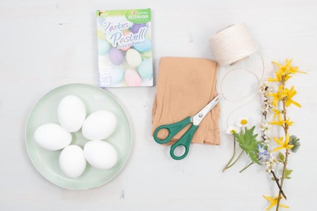 Zutaten für das Färben der Ostereier mit Blumenprint
