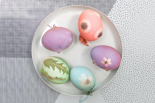 Alle Eier zusammen nach dem Färben.