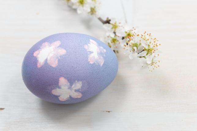Ei mit Blütenprint
