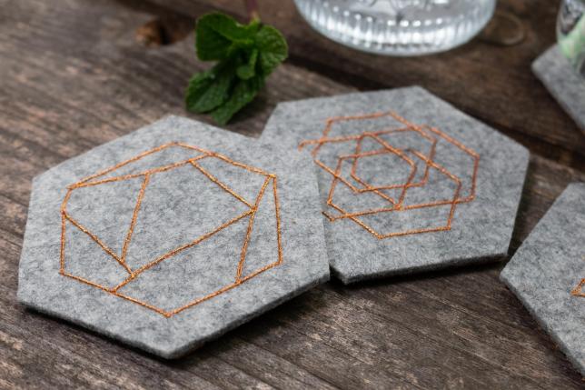 Filzuntersetzer mit geometrischem Muster