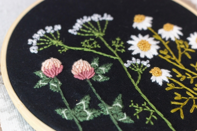 Anleitung zum Sticken von Wildblumen